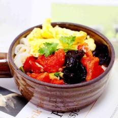 西红柿木耳鸡蛋打卤面
