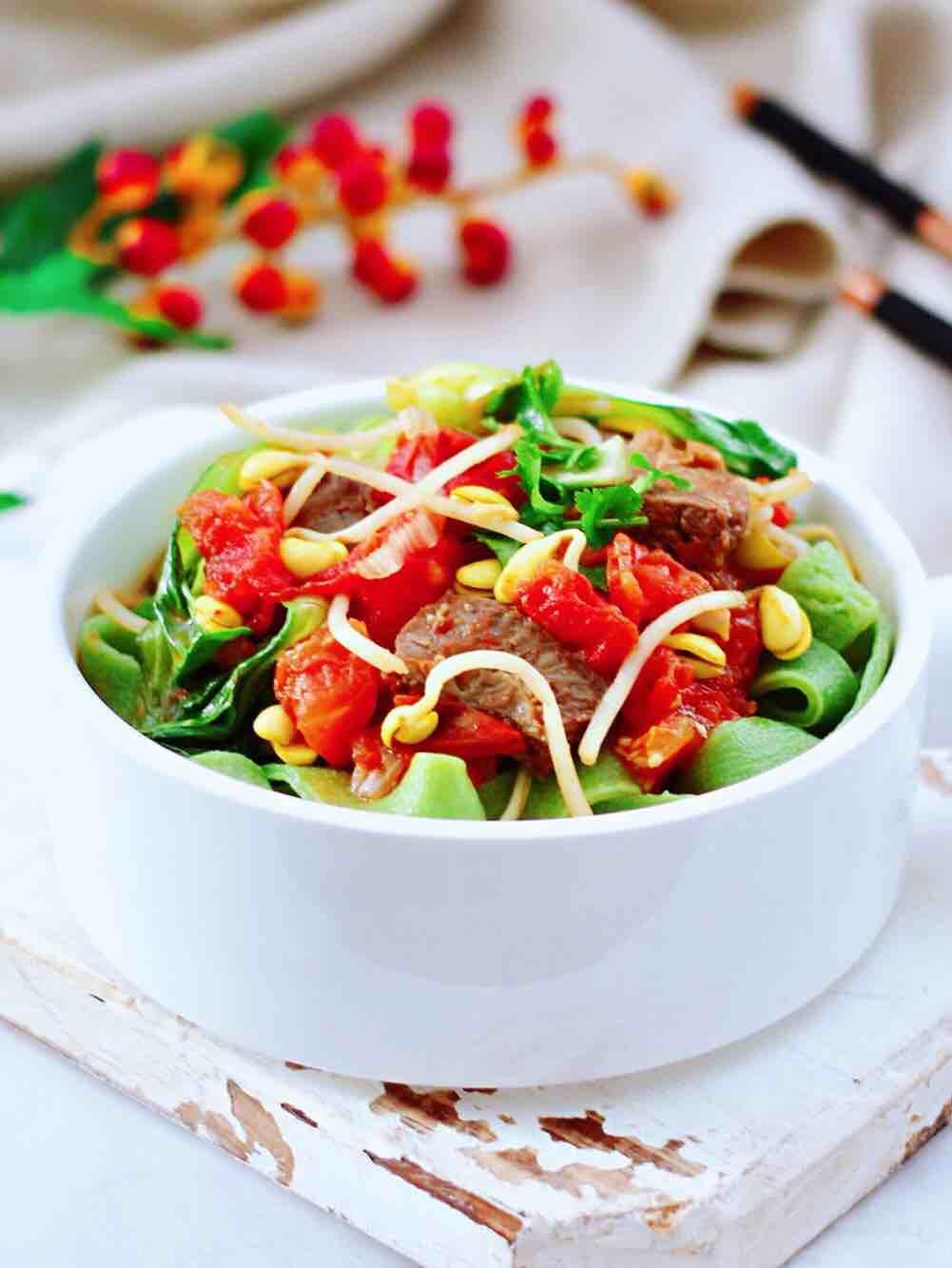 番茄牛腩菠菜面