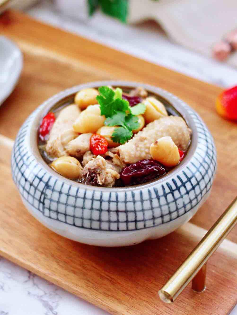 白果红枣鸡汤