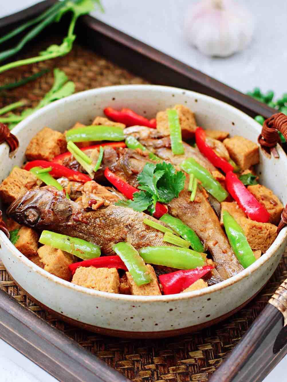 海杂鱼酱焖冻豆腐