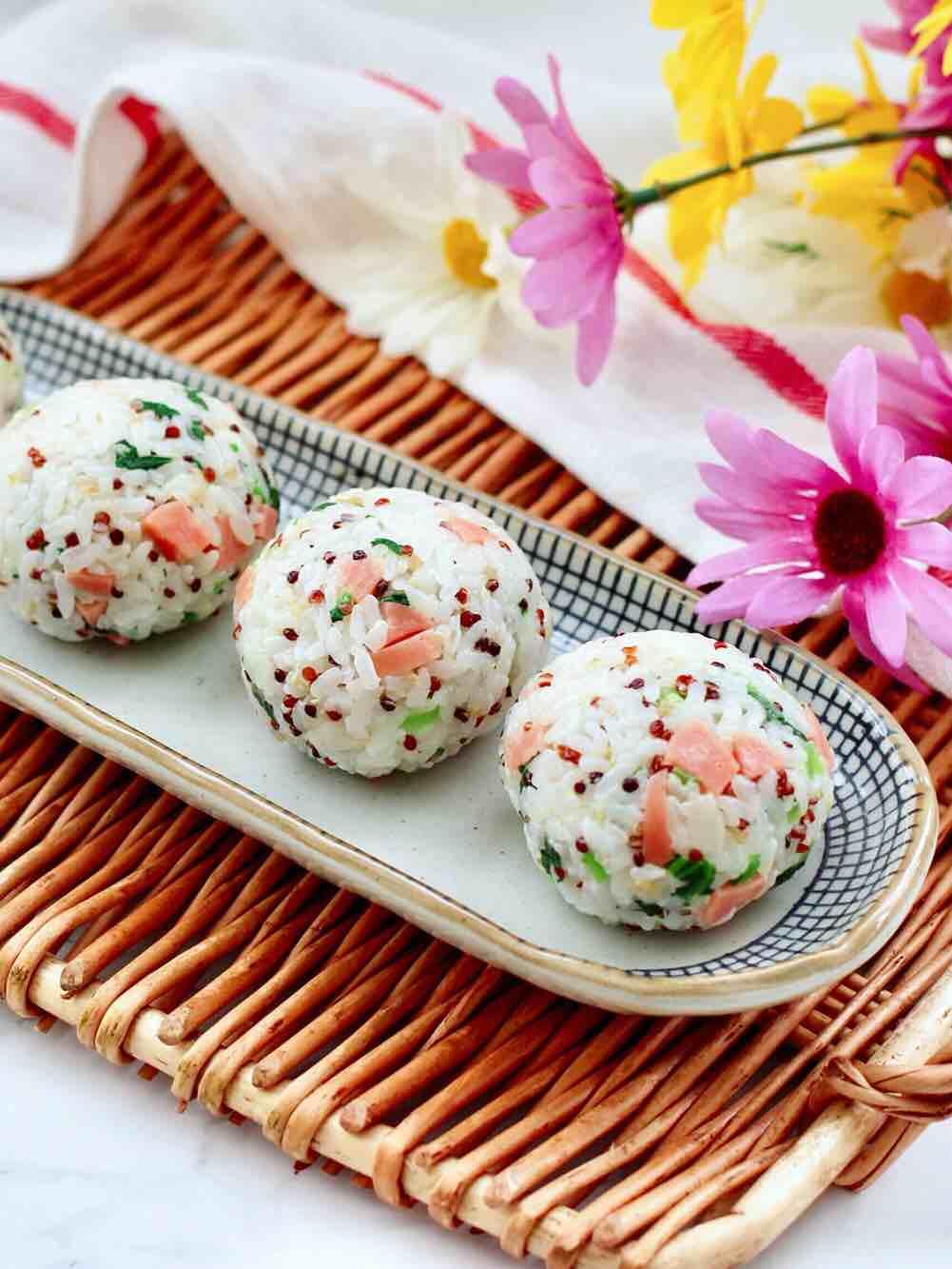 三色藜麦青菜饭团