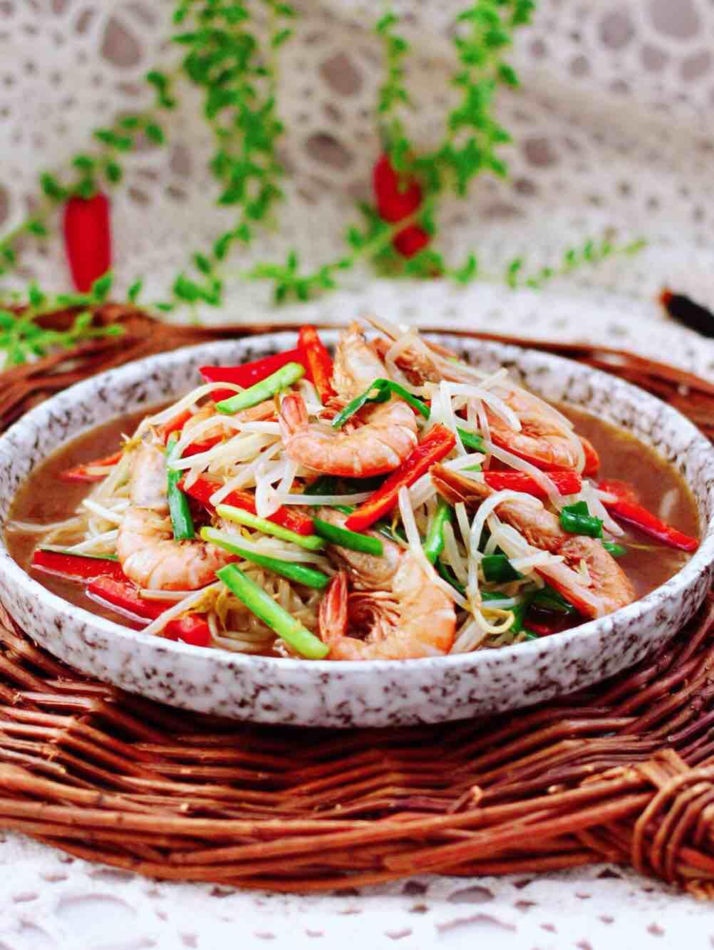 绿豆芽炒红虾的做法