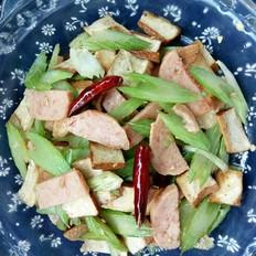 西芹豆干炒午餐肉