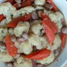 大骨汤炖花生菜花红萝卜