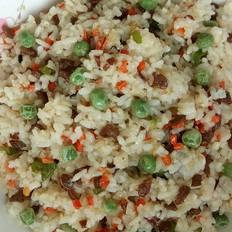牛肉红萝卜尖椒炒米饭