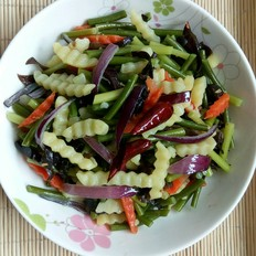蒜苔土豆拌