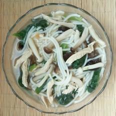 鸡肉鸡汤菌菇米粉