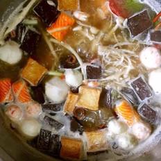三鲜菌汤火锅