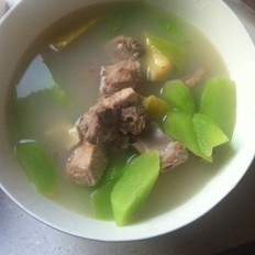 莴笋竹笋排骨汤的做法