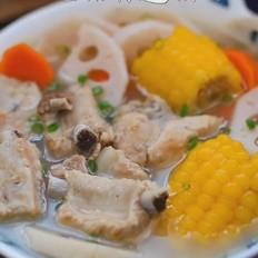排骨莲藕玉米汤