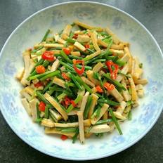韭菜苔炒豆干