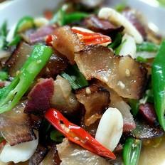 腊肉炒青椒
