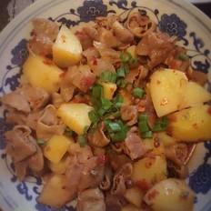 四川特色:土豆烧肥肠