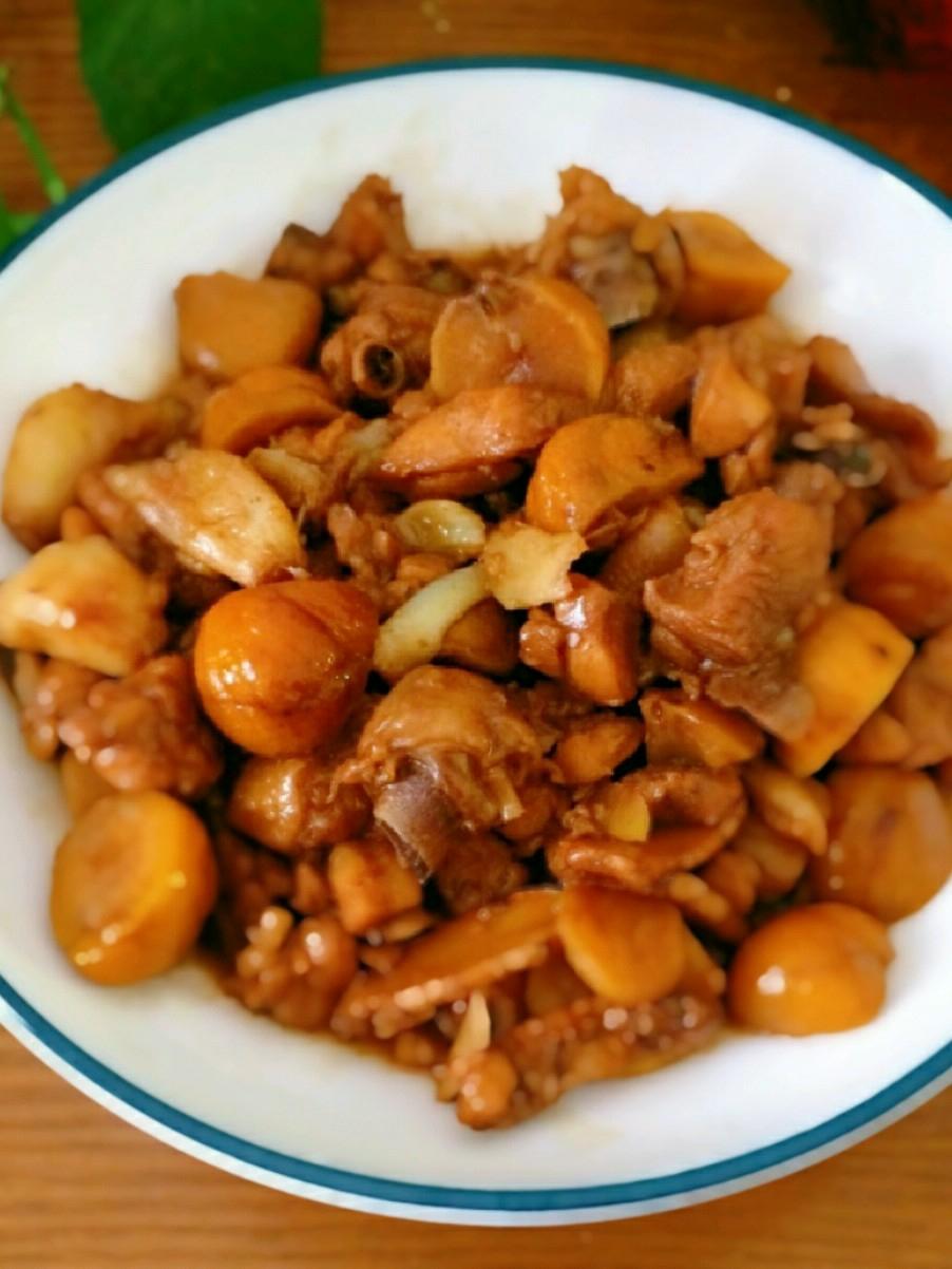 板栗煲鸡肉