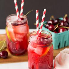 樱桃青柠冰果汁