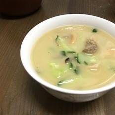 墨鱼肉片汤