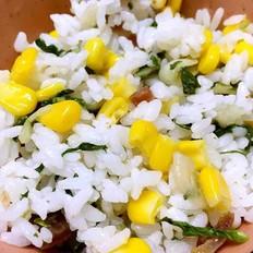 香肠玉米青菜炒饭的做法