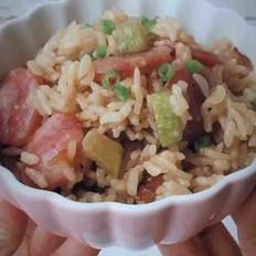 西葫芦腊肠焖饭