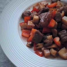 杂蔬牛肉粒