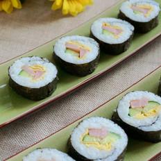 红肠黄瓜寿司