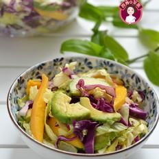 牛油果蔬菜沙拉