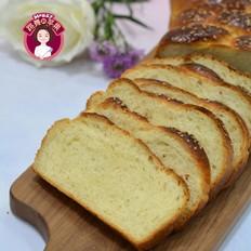 一股辫芝麻面包