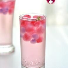 粉红萌新冰饮