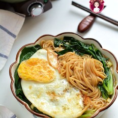 煎蛋菠菜汤面