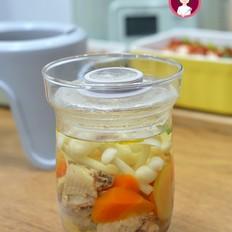 胡萝卜鲜菇鸡汤的做法