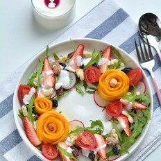 果蔬坚果酸奶沙拉