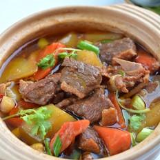浓香入味的胡萝卜土豆焖鸭肉