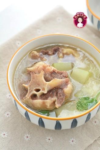 牛尾冬瓜汤的做法