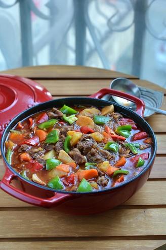番茄浓汤牛肉焖锅的做法