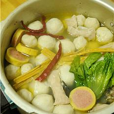 鸡汤鱼丸火锅