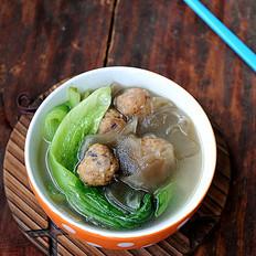 肉丸粉片生菜汤
