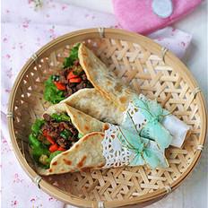 超软牛肉粒蔬菜卷饼