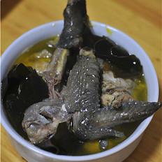 海带炖乌鸡