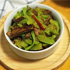 萵筍片炒鹵牛肉
