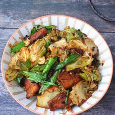 五花肉炒包菜