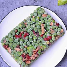 翠绿清爽的豌豆糕