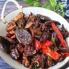 湘西特色菜——血粑鸭