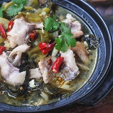 鱼的做法这么多,我独爱酸菜鱼,汤鲜肉嫩,比水煮鱼片更营养!