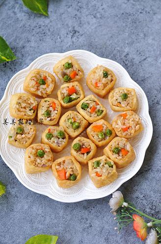 七彩糯米饭蒸塞油豆腐的做法