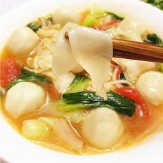 番茄鱼丸饺子皮汤面
