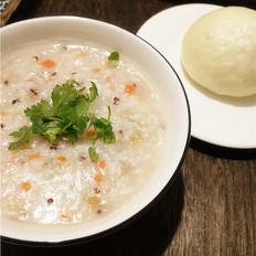 胡萝卜瘦肉藜麦粥