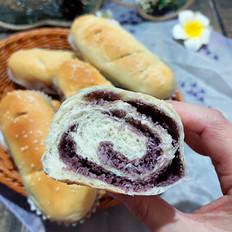 椰蓉果酱面包