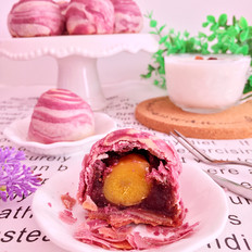 紫薯蛋黄酥
