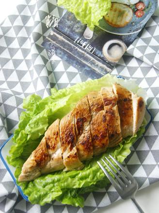 香煎鸡胸肉减脂增肌的做法