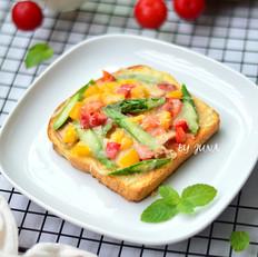 金枪鱼面包披萨