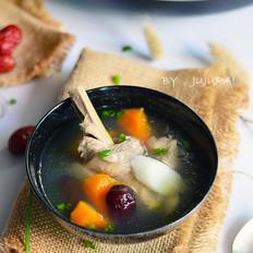 胡萝卜淮山炖鸡汤